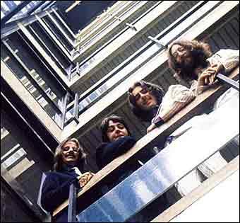 Битлз на лестнице EMI